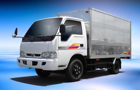xe tải chở hàng tại quận 12